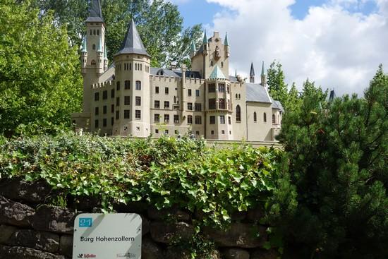 Burg Hohenzollern in Gingst im Rügenpark